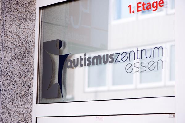 Bild vom autismuszentrum essen im Ruhrgebiet. Ihr Ansprechpartner für ASS, Asperger, Atypischer, frühkindlicher Autismus, Teacch.